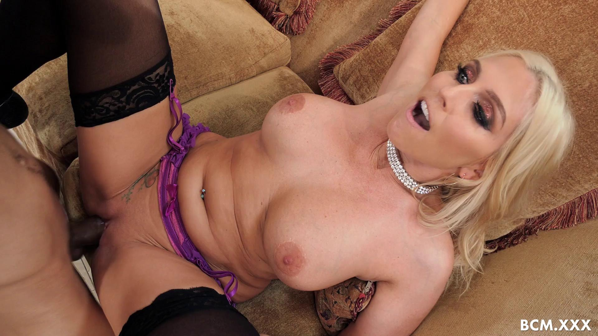 Christie Stevens All Christie Wants Is A Big Black Cock To Fuck