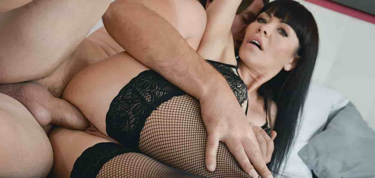 [MomXXX] Sasha Colibri – Hot MILF sex in stockings and heels